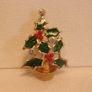 Avon Holly Christmas Tree Pin Brooch Small Size